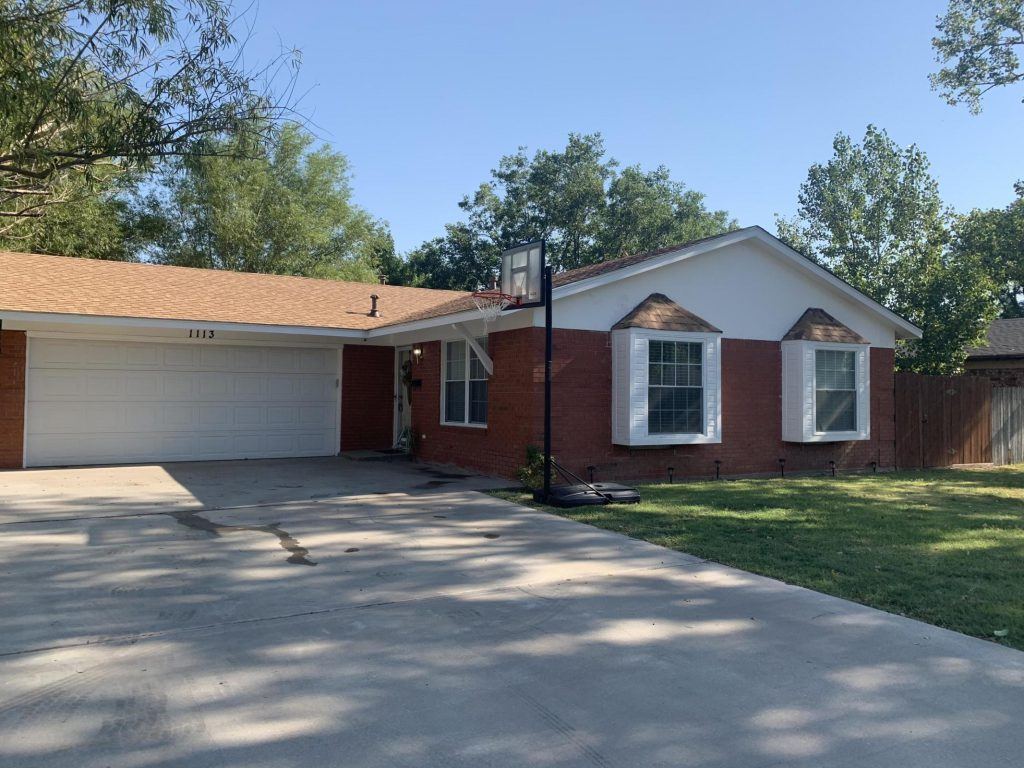 (ON CONTRACT) 1113 NE 4th St, Dumas, TX 79029